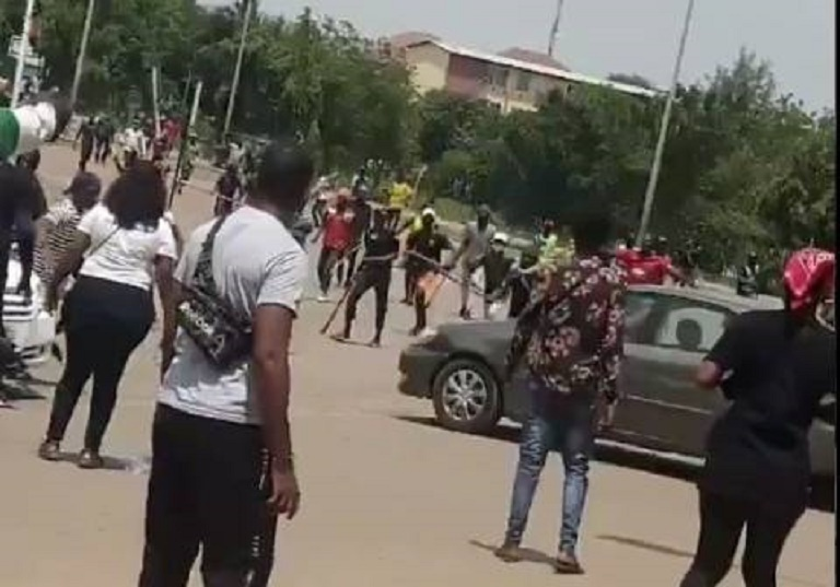 One Allegedly Killed And Many Others Injured As Hoodlums Attack #EndSARS Protesters In Edo State