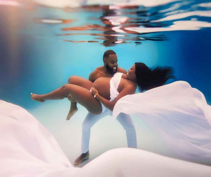 Couple share Their under-water Maternity Photo-Shoot