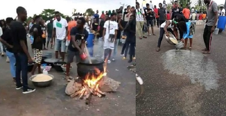 #EndSARS Protesters Cooking Jollof Rice In Highway In Edo State